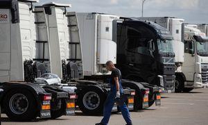Ispanai leido vilkikus vairuoti aštuoniolikmečiams