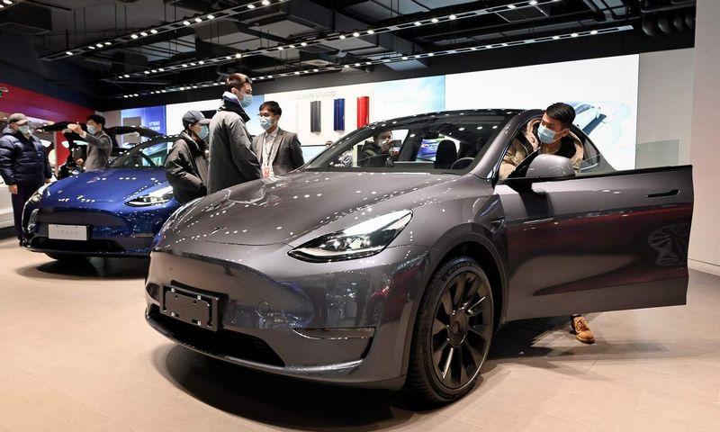 """""""Tesla Model Y"""" Wang Zhao (AFP / """"Scanpix"""") nuotr."""