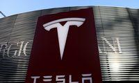 """H. Marksas siūlo fiksuoti dalį pelno iš """"Tesla"""" akcijų"""