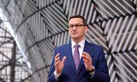 """Lenkijos premjeras smerkia JAV technologijų milžinų """"politinį korektiškumą"""""""