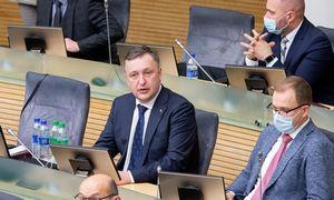 A. Guoga traukiasi iš Seimo, nes vis vien būtų pašalintas