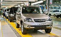 """Rusijos """"AvtoVAZ"""" pardavimai pernai mažėjo 5%"""