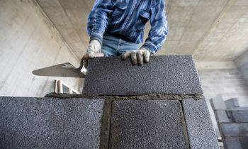 """Statybų įmonė """"Technoexport Storage"""" stabdo veiklą, atleidžia 100 žmonių"""