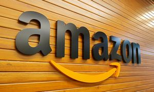 """JAV """"Amazon"""" patraukta į teismą dėl padidintų e. knygų kainų"""