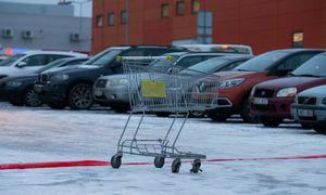 Vyriausybė kol kas nesvarstys parduotuvių atidarymo, nors darbdaviai prašo