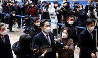 """""""Samsung"""" imperijos paveldėtojui – 2,5 metų kalėjimo"""