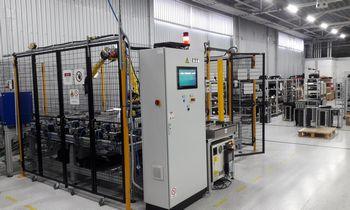 Elektronikos prietaisų gamybos testavimo linija