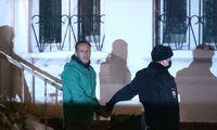 A. Navalnas pirmą kartą uždarytas tardymo izoliatoriuje