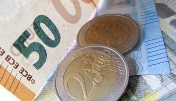 Pirmoji pagalba: įmonės jau gali kreiptis subsidijų ir paskolų