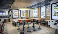 """""""McDonald's"""" Vilniuje atidarė naują restoraną už 1 mln. Eur"""