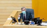 V. Pranckietis panaikino leidimų darbui su slapta informacija prievolę komitetų vadovams
