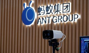 """Po Kinijos institucijų įsikišimo """"Ant Group"""" vertė gali susitraukti"""