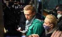 """A. Navalno svarstyklės– tarp bebaimio didvyrio ir politinės įtakos neturinčio """"šoumeno"""""""