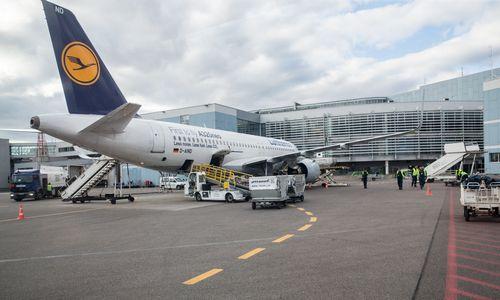 ES oro linijų akcijas papurtė kelionių ribojimų grėsmė