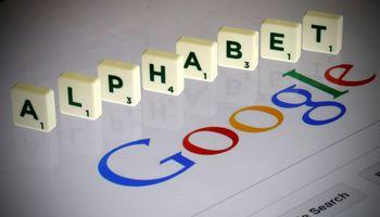 """""""Google"""" grasina išjungti interneto paiešką Australijoje"""