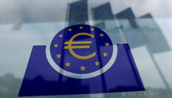 Euro zonos verslas sausį spaudė stabdžius