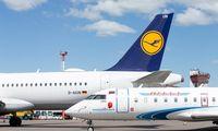 """Europos Komisijos sprendimas """"Lufthansą"""" privers pardavinėti bilietuspo 9 Eur"""