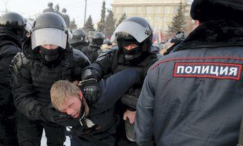 Rusijoje vykstant masiniams protestams sulaikytaper 2.300 A. Navalno šalininkų