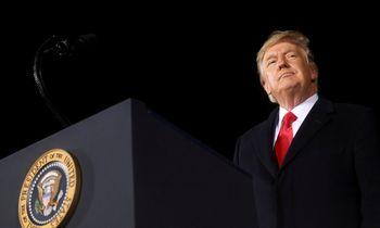 D. Trumpo apkaltos straipsnis siunčiamas Senatui, kuris pradės teismą