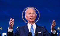 J. Bideno ekonomikos skatinimo programa kėsinasi nukarūnuoti augimo akcijas