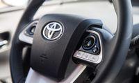 """Po 5 metų pertraukos """"Toyota"""" vėl įveikė """"Volkswageną"""""""