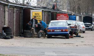 """Automobilių servisų viltys subliūško: """"garažininkai"""" vis dar dirba ir dirbs"""