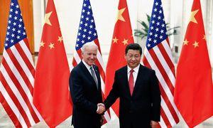 J. Bideno ir Kinijos vadovo pokalbis: žmogaus teisių pažeidimai ir ekonominiai veiksmai