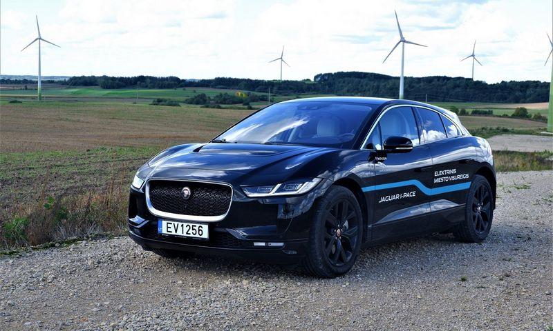 "Pirmasis ""Jaguar"" elektromobilis – ""I-Pace"". Lino Butkaus (VŽ) nuotr."