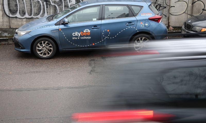 """CityBee"" automobilis Vilniuje. Vladimiro Ivanovo (VŽ) nuotr."