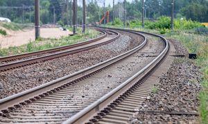 """Baltijos šalys sunkiai ieško kompromiso dėl """"Rail Balticos"""" valdymo"""