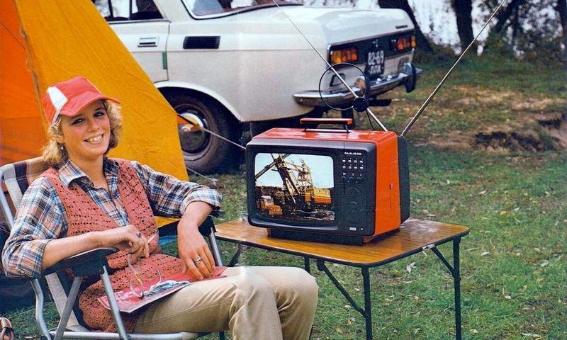 """Kauno radijo gamykloje pagaminti nešiojamieji televizoriai """"Šilelis"""". Autoriaus archyvo nuotr."""