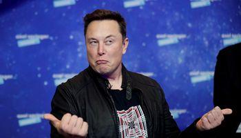 Nykstant kriptovaliutomsE. Muskas netekoturtingiausio pasaulio žmogaus titulo