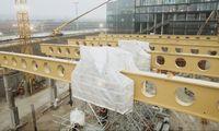 Kauno Nemuno saloje statomam sporto centrui sumontuotos rekordinio dydžio sijos