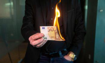 Kaip verslas pradirba pinigus, kurių nėra