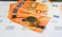 Įmokos į trečios pakopos pensijų fondus sumažėjo net algoms didėjant