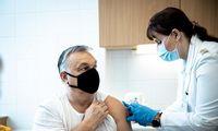 """V. Orbanas pasiskiepijo kiniška vakcina, čekai prašo""""Sputnik"""""""