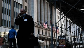 Permainingoje prekyboje - ryškus JAV akcijų atsigavimas