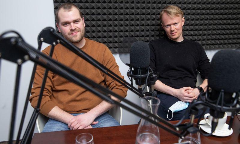 """Klaudijus Jakimovas ir Tadas Kliučinskas iš skaitmeninės rinkodaros agentūros """"Key Communication"""". Vladimiro Ivanovo (VŽ) nuotr."""