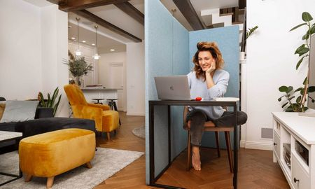 Darbo iš namų vaisiai: sukūrė sprendimą neturintiems darbo kambario