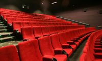 """""""MM Grupp"""" prašo leidimo perimti """"Forum Cinemas"""" kino teatrus"""
