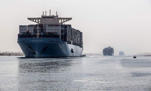 Sueco kanalą užblokavo ant seklumos užplaukęs didžiulis konteinerinis laivas