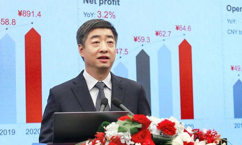 """Ken Hu, """"Huawei"""" valdybos pirmininko pavaduotojas. Bendrovės nuotr."""