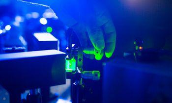 """Mėnesio sandoris: 7 mlrd. USD vertės lazerių gamintoja """"Coherent"""" – kompanija, dėl kurios susikovė jos konkurentai"""