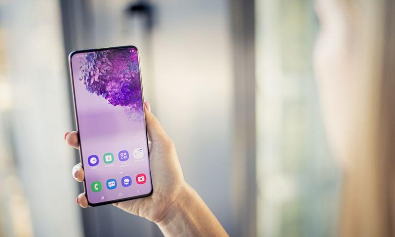 """""""Samsung Galaxy S20"""" išmaniųjų telefonų serija Gintauto Degučio  (VŽ) nuotr."""