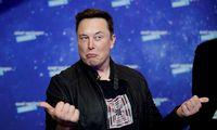 """""""Tesla"""" konkurentams tiesia pagalbos ranką, bet ji brangi"""