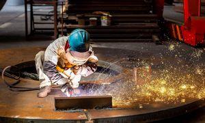 Didelė, bet nepakankamai stipri:Kinija susirūpino šalies pramone