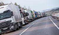 Didėjant pasienio postų pralaidumui, Baltarusijos pasienyje išlieka eilės