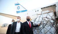 """Baigiasi Izraelio ir """"Pfizer"""" medaus mėnuo – tiekimui trukdo politiniai barniai"""