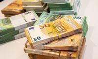 Banknotų paradoksas: per pandemiją prireikė žymiai daugiau grynųjų