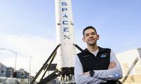 """Išrinkta civilių įgula, kuri """"SpaceX"""" erdvėlaiviu pirmąkart pakils į kosmosą"""